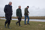 Dijkgraaf Paul van Erkelens (Wetterskip Fryslan), Ultsje Hosper (directeur It Fryske Gea) en Hans Pietersma (districtshoofd It Fryske Gea)