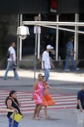Belo Horizonte_MG, Brasil...Camera do Projeto Olho Vivo monitora o movimento de pedestres na Praca Sete no de Belo Horizonte, Minas Gerais...Camera of the Olho Vivo project monitors the movement of pedestrians in Praca Sete in Belo Horizonte, Minas Gerais...Foto: JOAO MARCOS ROSA / NITRO