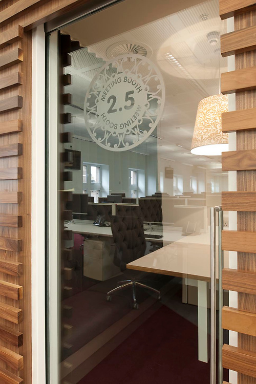 WORK ENVIRONMENT - OFFICE INTERIOR - PRODUCT INSTALLATION