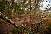 In Austerlitz wordt de Take Your Kids Mountain Biking Day gehouden. Op de zondagochtend is de mountainbikeroute voor de kinderen die met hun ouders gaan mountainbiken. Het wordt dit jaar voor de eerste keer gehouden, de inschrijving was binnen 24 uur vol.<br /> <br /> In Austerlitz the Take Your Kids Mountain Biking Day takes place. This day the mountain bike trail is especially for the young children who want to ride with their parents.