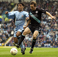 Fotball<br /> England<br /> 2004/2005<br /> 16.10.2004<br /> Foto: SBI/Digitalsport<br /> NORWAY ONLY<br /> <br /> Coventry City v Leicester City <br /> Coca Cola Championship.<br /> <br /> David Connolly of Leicester battles with Coventry's Richard Shaw