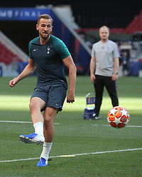 01.06.2019, Wanda Metropolitano, Madrid, ESP, UEFA CL, Tottenham Hotspur vs FC Liverpool, Finale, im Bild Harry Kane of Tottenham Hotspur // Harry Kane of Tottenham Hotspur during Training before the the UEFA Champions League Final Match between Tottenham Hotspur and FC Liverpool at the Wanda Metropolitano in Madrid, Spain on 2019/06/01. EXPA Pictures © 2019, PhotoCredit: EXPA/ Focus Images/ Paul Chesterton<br /> <br /> *****ATTENTION - for AUT, GER, FRA, ITA, SUI, POL, CRO, SLO only*****