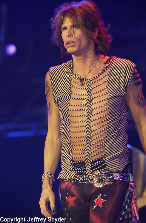 Aerosmith singer Steven Tyler at United We Stand: What More Can I Give? Concert. A music benefit in support of the recovery efforts from the September 11 attack on America.  The proceeds will go to various Relief Funds. October 21, 2001 (Jeff Snyder)
