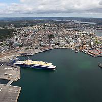Kristiansand sett fra luften en august dag.