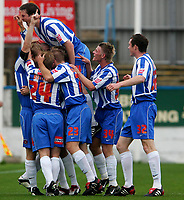 Photo: Andrew Unwin.<br />Hartlepool Utd v Swansea. Coca Cola League 1.<br />17/09/2005.<br />Hartlepool's Ritchie Humphreys celebrates his goal with his team-mates.