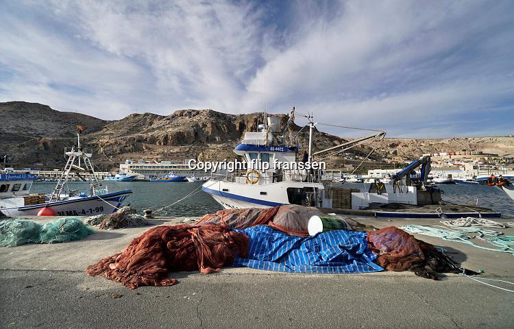 Spanje, Almeria, 9-11-2019Vissersschepen liggen in de haven van deze stad in Andalusie . Foto: Flip Franssen
