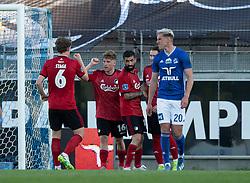 Corona-lykønskning fra Jens Stage (FC København) til målscorer Pep Biel efter scoringen til 1-3 under kampen i 3F Superligaen mellem Lyngby Boldklub og FC København den 1. juni 2020 på Lyngby Stadion (Foto: Claus Birch).