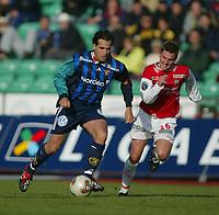 Fotball, 1. mai 2002, Tippeligaen, Stabæk - Bryne 2-1.  Martin Andresen, Stabæk, og Kai Ove Stokkeland, Bryne.