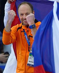 09-02-2014 SCHAATSEN: OLYMPIC GAMES: SOTSJI<br /> Een blije Gerard Kemkers na het goud van Ireen Wust<br /> ©2014-FotoHoogendoorn.nl<br />  / Sportida