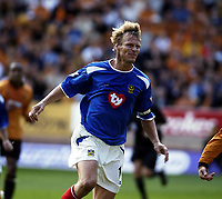 Copyright Sportsbeat Images. 01494 783165<br />Picture: Henry Browne<br />Date: 30/08/2003<br />Woverhampton Wanderers v Portsmouth FA Barclaycard Premiership<br />Portsmouth's Teddy Sheringham looks annoyed as another chance goes