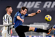 Foto Marco Alpozzi/LaPresse <br /> 16 Dicembre 2020 Torino, Italia <br /> sport calcio <br /> Juventus Vs Atalanta - Campionato di calcio Serie A TIM 2020/2021 - Allianz Stadium<br /> Nella foto: Rodrigo Bentancur (Juventus F.C.);Marten de Roon (Atalanta B.C.);   <br /> <br /> Photo Marco Alpozzi/LaPresse <br /> December 16, 2020 Turin, Italy <br /> sport soccer <br /> Juventus Vs Atalanta - Italian Football Championship League A TIM 2020/2021 - Allianz Stadium<br /> In the pic:  Rodrigo Bentancur (Juventus F.C.);Marten de Roon (Atalanta B.C.);