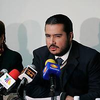 Toluca, Mex.- Alejandrina Becerril (izq), Directora General de Turismo y Mario Antonio Martinez Almazan (der), presidente de la Asociacion de Hoteleros, durante la conferencia de prensa donde dio a conocer resultados de las pasadas vacaciones de verano, donde los lugares mas visitados fueron, Malinalco, Valle de Bravo, Toluca, Ixtapan de la Sal, entre otros. Agencia MVT / Javier Rodriguez. (DIGITAL)<br /> <br /> <br /> <br /> <br /> <br /> <br /> <br /> NO ARCHIVAR - NO ARCHIVE