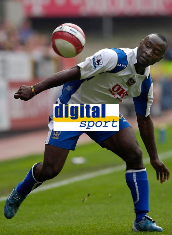 Photo: Daniel Hambury.<br />Charlton Athletic v Portsmouth. The Barclays Premiership. 16/09/2006.<br />Portsmouth's match winner Lomana Lualua.