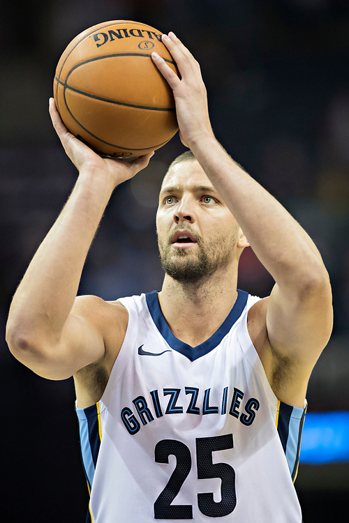 MEMPHIS, TN - OCTOBER 30:  Chandler Parsons #25 of the Memphis Grizzlies shoots a free throw during a game against the Charlotte Hornets at the FedEx Forum on October 30, 2017 in Memphis, Tennessee.  NOTE TO USER: User expressly acknowledges and agrees that, by downloading and or using this photograph, User is consenting to the terms and conditions of the Getty Images License Agreement.  The Hornets defeated the Grizzlies 104-99.  (Photo by Wesley Hitt/Getty Images) *** Local Caption *** Chandler Parsons