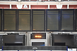 © Licensed to London News Pictures. 17/10/2018. London, UK. Empty notice boards at Paddington Railway Station after damage was caused to overhead electric cables late last night. All Great Western services to Slough are cancelled with Heathrow trains also affected. Network Rail say disruption is likely to last all day. Photo credit: Ben Cawthra/LNP