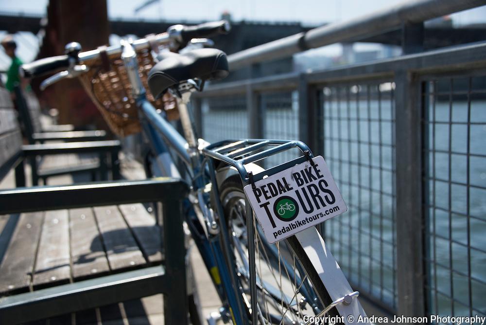 Bicycling Portland's Esplanade-Tom McCall waterfront loop & Springwater trail past Oaks bottom wildlife refuge