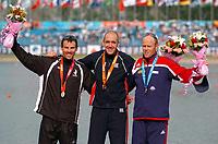 Kajakk<br /> Foto: imago/Digitalsport<br /> NORWAY ONLY<br /> <br /> 25.08.2007 <br /> Siegerehrung Einerkajak Good Luck 2007, v.li.: Ben Fouhy (Neuseeland), Sieger Tim Brabants (Großbritannien), Eirik Verås Larsen (Norge)