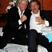 NLD/Eemnes/20081020 - Premiere Dries Roelvink film,.NLD/Eemnes/20081020 - Premiere Dries Roelvink film, Emile Ratelband en Dries Roelvink samen in bed