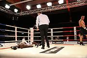BOXEN: Universum Boxpromotion, Hamburg, 20.22.2021<br /> Zhan Kossobutskiy (KAZ) - Onoriode Ehwarieme (NIG)<br /> © Torsten Helmke