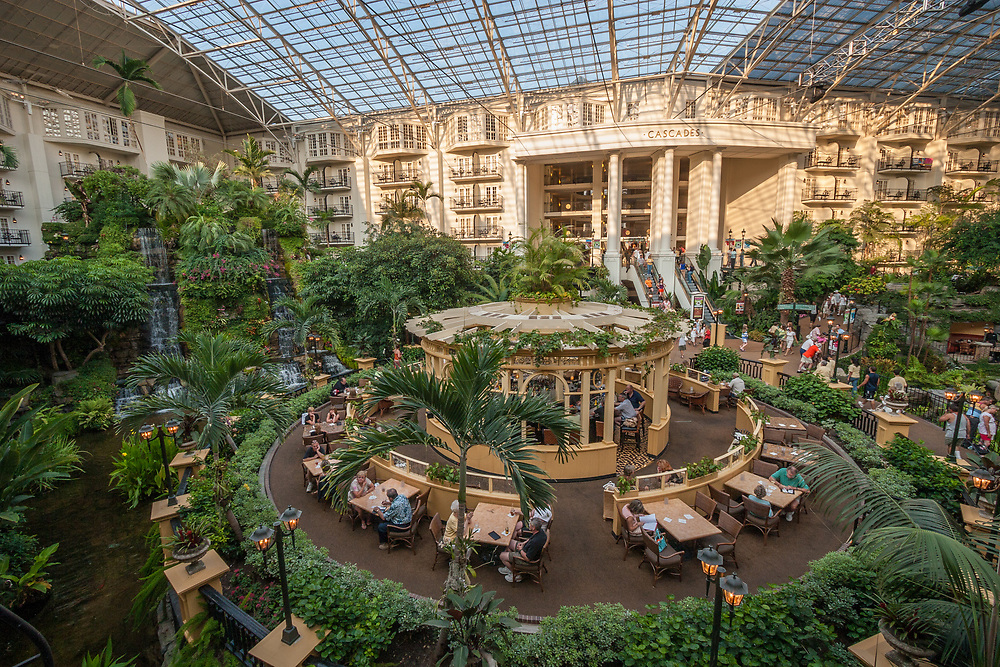Gaylord Opryland hotel in Nashville's Opryland in Tennessee, USA.  Hotel interior includes a vast garden with several restaurants.