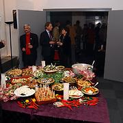 Opening uitgeverij Pimento, tafel met eten