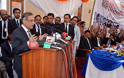 August 8, 2017 - Pakistan - QUETTA, PAKISTAN, AUG 08: Chief Justice of Pakistan, Justice Mian Saqib Nisar addresses .during condolence reference ceremony in connection of the Civil Hospital tragedy in which 73 .people including 56 lawyers were killed, held in Quetta on Tuesday, August 08, 2017. (Credit Image: © PPI via ZUMA Wire)