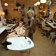 Paula's kapsalon Lorentzweg Hilversum met zoon