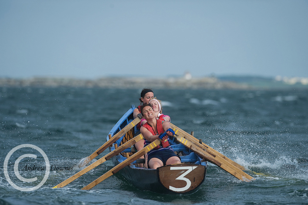 Annie Duffy, Sarah Mulholland and Patricia Gallagher  taking part in the currach racing  the Tóastal festival in Salthill, Galway on Sunday. Photo:Andrew Downes