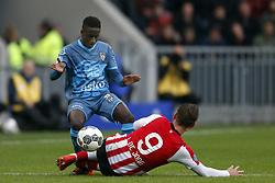 (L-R), Jamiro Monteiro Alvarenga of Heracles Almelo, Luuk de Jong of PSV during the Dutch Eredivisie match between PSV Eindhoven and Heracles Almelo at the Phillips stadium on October 22, 2017 in Eindhoven, The Netherlands