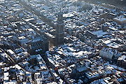 Nederland, Utrecht, Utrecht, 31-01-2010; stadsgezicht in de winter van de binnenstad met Dom en Domtoren, rechts de Buurkerk en het stadhuis aan de Oudegracht;.City centre Utrecht with domtower.luchtfoto (toeslag), aerial photo (additional fee required).foto/photo Siebe Swart