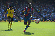 Bakary Sako of Crystal Palace chasing the ball. Barclays Premier league match, Crystal Palace v Aston Villa at Selhurst Park in London on Saturday 22nd August 2015.<br /> pic by John Patrick Fletcher, Andrew Orchard sports photography.