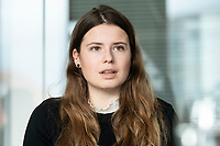 12 MAR 2020, BERLIN/GERMANY:<br /> Luisa Neubauer, Klimaschutzaktivistin, Fridays for Future, waehrend einem Interview, Redaktion Rheinische Post<br /> IMAGE: 20200312-01-011
