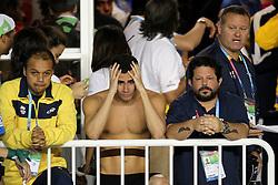 Leonardo de Deus chora ao receber a medalha de ouro na prova dos 200m borboleta no Pam Americano de Guadalajara. FOTO: Jefferson Bernardes/Preview.com
