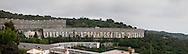 Il biscione è un complesso di edilizia popolare sorto alla fine degli anni sessanta sulle alture fra Marassi e Quezzi. The snake is a complex of public housing built in the late sixties and on the hills between Marassi Quezzi.