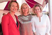 Amsterdam Diner 2019, actief een bijdrage te willen leveren aan een wereld zonder aids.<br /> <br /> Op de foto:  Sigrid Kaag (M)