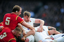 Alun Wyn Jones of Wales competes with George Kruis of England at a maul - Mandatory byline: Patrick Khachfe/JMP - 07966 386802 - 12/03/2016 - RUGBY UNION - Twickenham Stadium - London, England - England v Wales - RBS Six Nations.