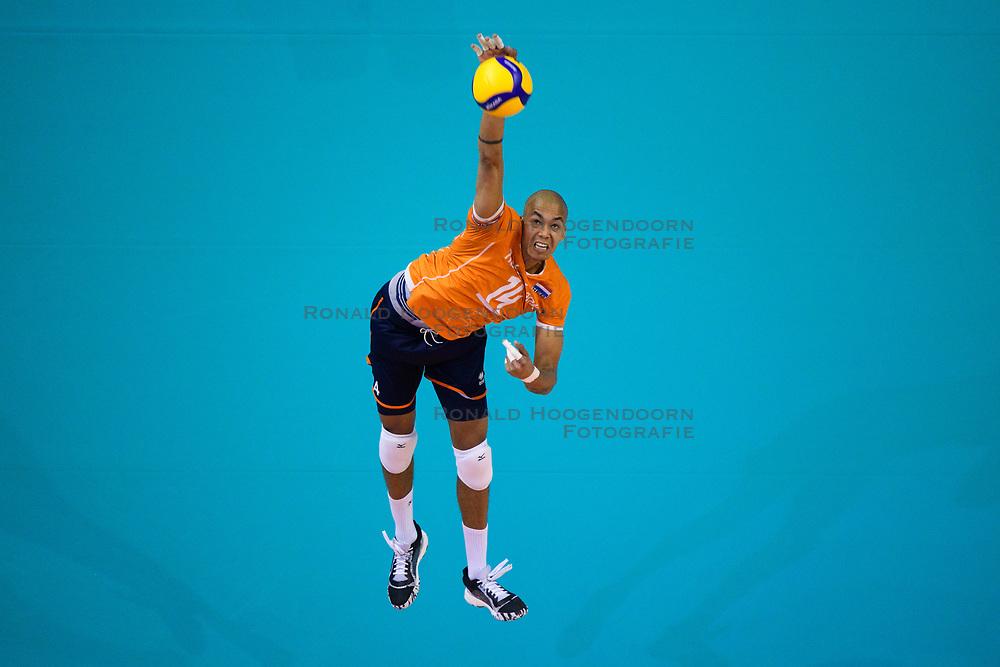 06-01-2020 NED: CEV Tokyo Volleyball European Qualification Men, Berlin<br /> Match Serbia vs. Netherlands 3-0 / Nimir Abdelaziz #14 of Netherlands