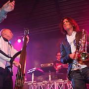 NLD/Huizen/20100917 - South Sea Jazz Huizen 2010, optreden Hans Dulfer band, trompetist Rob van de Wouw