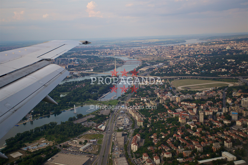 BELGRADE, SERBIA - Saturday, June 10, 2017: A view from the Wales team plane as it approaches Belgrade ahead of the 2018 FIFA World Cup Qualifying Group D match against Serbia. (Pic by David Rawcliffe/Propaganda)