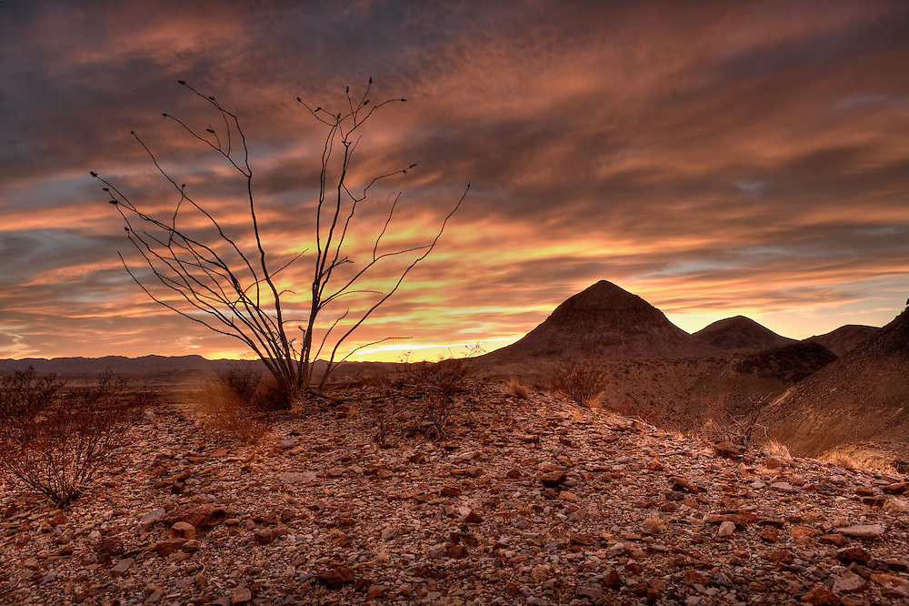 Colorful sunset in the desolate Chihuahua Desert in West Texas