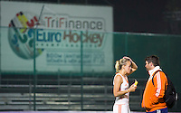 BOOM -  Teleurstelling bij Maartje Paumen en bondscoach Max Caldas tijdens de halve finale van het EK hockey tussen de vrouwen van Nederland en Engeland (1-1) Engeland wint na shoot out. ANP KOEN SUYK