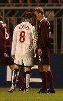 Fotball<br /> UEFA Champions League 2004/2005<br /> Foto: SBI/Digitalsport<br /> NORWAY ONLY<br /> <br /> Sparta Praha v Manchester United<br /> 19/10/2004.<br /> <br /> Wayne Rooney squares up to Pavel Pergl