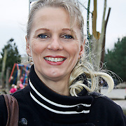 NLD/Harderwijk/20100320 - Opening nieuwe Dolfinarium seizoen met nieuwe show, Mary-Lou Steenis