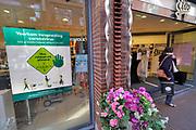 Nederland, Nijmegen, 25-3-2020 Winkels met maatregelen ivm het coronavirus.Foto: Flip Franssen