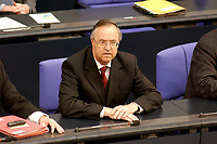 11 APR 2003, BERLIN/GERMANY:<br /> Hans Eichel, SPD, Bundesfinanzminister, in der Regierungsbank, Plenum, Deutscher Bundestag<br /> IMAGE: 20030411-02-007