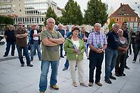 DEU, Deutschland, Germany, Bautzen, 22.08.2014: Besucher einer Wahlveranstaltung der Partei Alternative für Deutschland (AfD) am Kornmarkt in Bautzen.