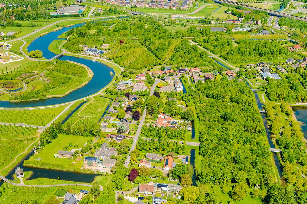 Nederland, Utrecht, Leidsche Rijn, 13-05-2019; Leidsche Rijn met het Máximapark, oorspronkelijke Leidsche Rijnpark.  <br /> The new residential area Leidsche Rijn, west of Utrecht, with stadspark - city park.<br /> <br /> luchtfoto (toeslag op standard tarieven);<br /> aerial photo (additional fee required);<br /> copyright foto/photo Siebe Swart
