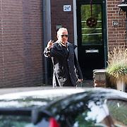 NLD/Laren/20130102 - Uitvaart John de Mol Sr., Gordon Heuckeroth heeft een nieuw pak gehaald voor de uitvaart