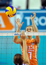 18-09-2011 VOLLEYBAL: DELA TROPHY NEDERLAND - TURKIJE: ALMERE<br /> Nederland wint met 3-0 van Turkije en wint hierdoor de DELA Trophy / Caroline Wensink<br /> ©2011-FotoHoogendoorn.nl