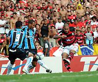 20091206: RIO DE JANEIRO, BRAZIL - Flamengo vs Gremio: Brazilian League 2009 - Flamengo won 2-1 and celebrated the 6th Brazilian Championship of its history. In picture: Adriano (Flamengo, R). PHOTO: Andre Durao/CITYFILES